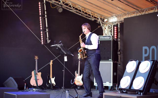 выступление саксофониста киев, саксофонист на свадьбу киев цена