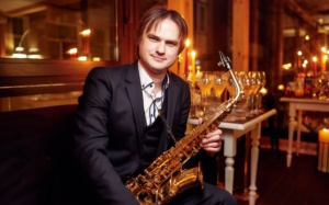 саксофонист на свадьбу, корпоратив, день рождения киев, Живая музыка на свадьбу